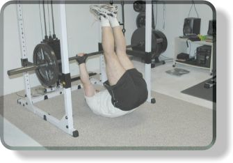 Barbell bench leg raise crunches for ab